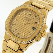 Patek Philippe Nautilus Yellow gold 27mm Gold