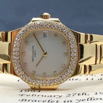 Patek Philippe Nautilus 4700/54 Very good Yellow gold Quartz