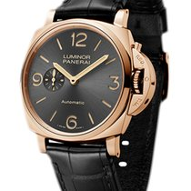 Panerai Luminor Due Oro rosado 45mm Gris