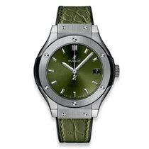 Hublot Classic Fusion Quartz Titanium 33mm Green