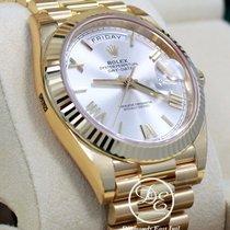 Rolex Day-Date 40 Oro amarillo 40mm Plata Romanos