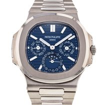 Patek Philippe Nautilus pre-owned 40mm White gold