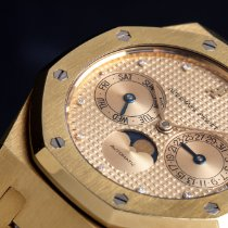 Audemars Piguet Royal Oak Day-Date Yellow gold 37mm Singapore, Singapore