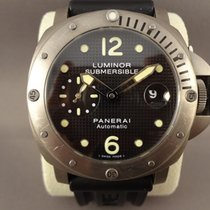 Panerai Luminor Submersible titan pam 25 / 44mm
