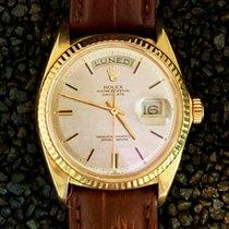 Rolex Day-Date 36 Κίτρινο χρυσό 36mm Ασημί Xωρίς ψηφία