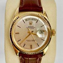 Rolex Day-Date 36 Žluté zlato 36mm Stříbrná Bez čísel