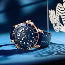 Omega Seamaster Diver 300 M Oro rosado 42mm Azul Sin cifras