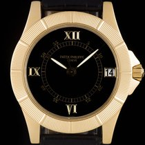 Patek Philippe pre-owned Automatic Center Seconds Screw-Down Crown 36mm Yellow gold Sapphire Glass