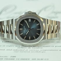 Patek Philippe 5711/1A-010 Steel 2012 Nautilus 40mm pre-owned United Kingdom, London