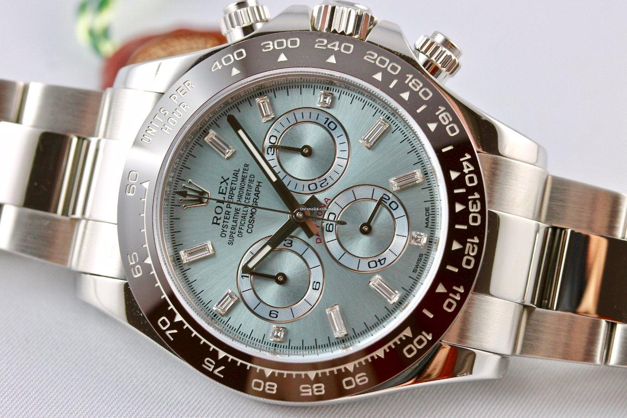 Корпус и браслет часов выполнены из нержавеющей стали, отличающейся особой прочностью.