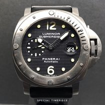 Panerai Luminor Submersible Titan 44mm Černá Arabské