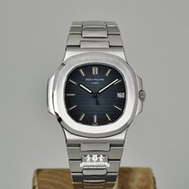 Patek Philippe Nautilus 5711 - Box and Papers - Superb Condition