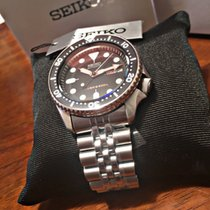 Seiko Divers SKX007 with jubilee bracelet