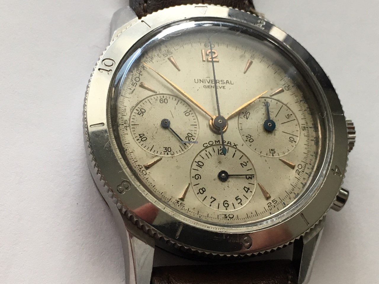 ff9a02c8751 Comprar relógios Universal Genève