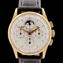 Universal Genève 12295 Yellow gold Compax 35mm pre-owned