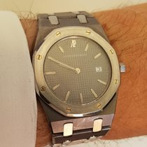 Audemars Piguet Tantalum Quartz 35mm pre-owned Royal Oak