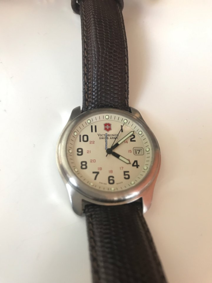71d1b0537a39 Pre-owned Victorinox Swiss Army watches