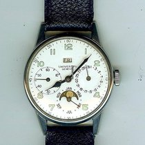 Universal Genève pre-owned Manual winding 33mm White Plastic Not water resistant