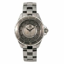 Chanel J12 H2979 2010 pre-owned