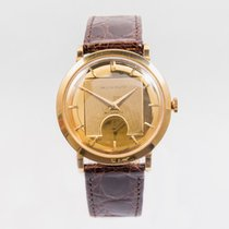 Movado Yellow gold Manual winding pre-owned