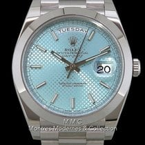 Rolex Day-Date 40 pre-owned 40mm Blue Date Weekday Platinum