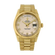 Rolex Day-Date II pre-owned 41mm White Date Weekday Yellow gold