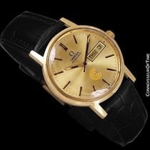 Omega 1974 Geneve Vintage Automatic Day Date Mens Watch - 18K...