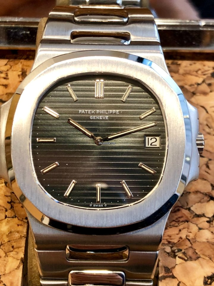 328a00ec2aa Patek Philippe Nautilus 3700A Fat Links with Cork Box   Extract for Php  5