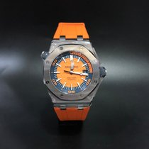 Audemars Piguet Royal Oak Offshore Diver pre-owned 42mm Steel