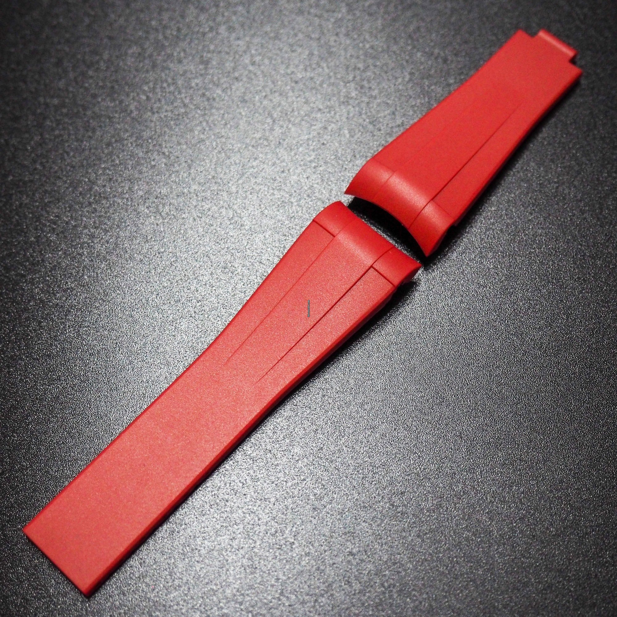 Rolex 20MM RED PREMIUM RUBBER WATCH STRAP WITH