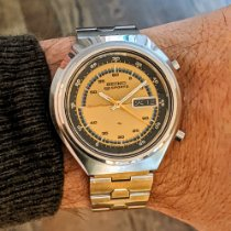 Seiko 5 Sports Steel 42mm Gold Arabic numerals United States of America, Massachusetts, Cambridge