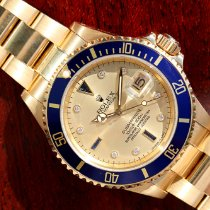 Rolex Submariner Date 16618 2001 pre-owned