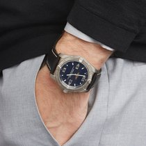 Breitling Titanium Quartz Zwart Arabisch 42mm tweedehands Aerospace Avantage