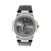 Patek Philippe 5712G-001 White gold Nautilus 40mm pre-owned