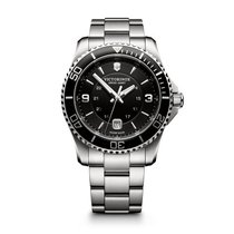 Victorinox Swiss Army Maverick large black dial and bezel,...