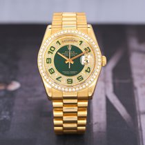 Rolex Day-Date 36 pre-owned 36mm Green Date Yellow gold