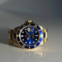 Rolex Submariner Date 18k 16618  40mm Box/Papers