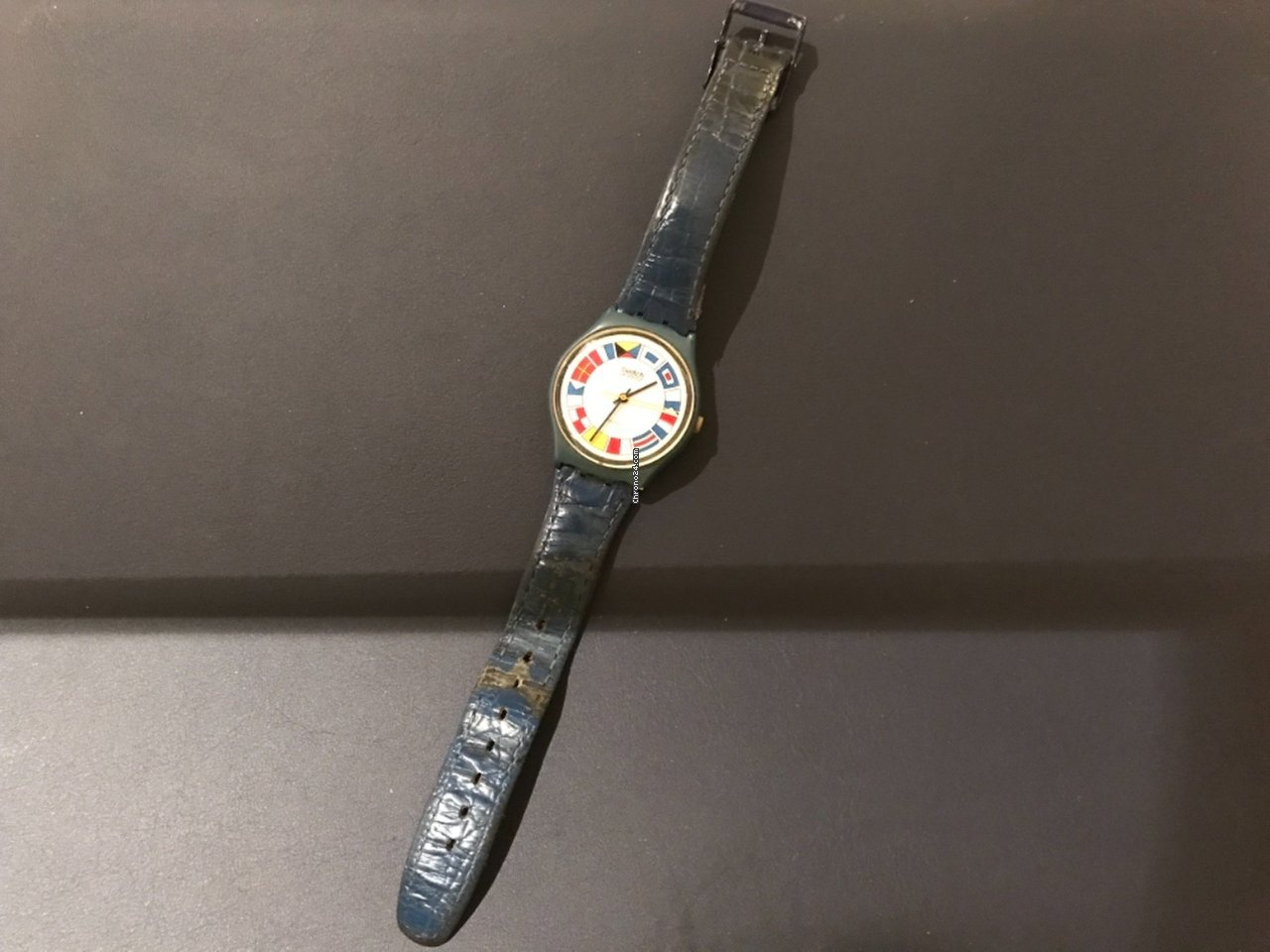 Swatch 584 1983 pre-owned