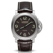 Panerai Luminor Base 8 Days Titanio 44mm Marrón Arábigos
