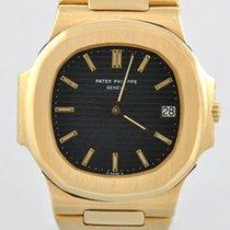 Patek Philippe 3700 Oro amarillo Nautilus