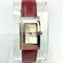 Burberry pre-owned Quartz 33mm White Sapphire crystal