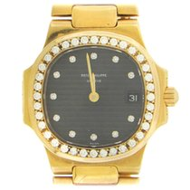 Patek Philippe 4700 Yellow gold 1990 Nautilus 27mm pre-owned United States of America, New York, New York
