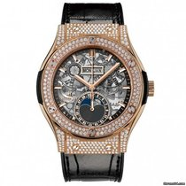 Hublot KING GOLD PAVE