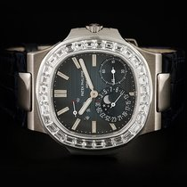 Patek Philippe 5722G-001 White gold 2010 Nautilus pre-owned