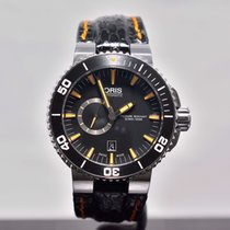 Oris Aquis Small Second / Box & Papers / 12 month warranty