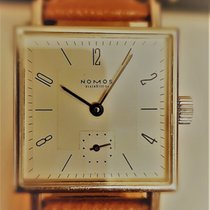 NOMOS Tetra 27 pre-owned 27,5mm Champagne Leather