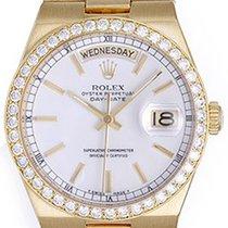Rolex Day-Date Oysterquartz Zuto zlato 36mm