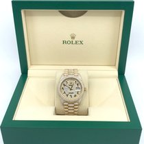 Rolex Day-Date 40 Yellow gold 40mm Gold Arabic numerals United States of America, New York, New York